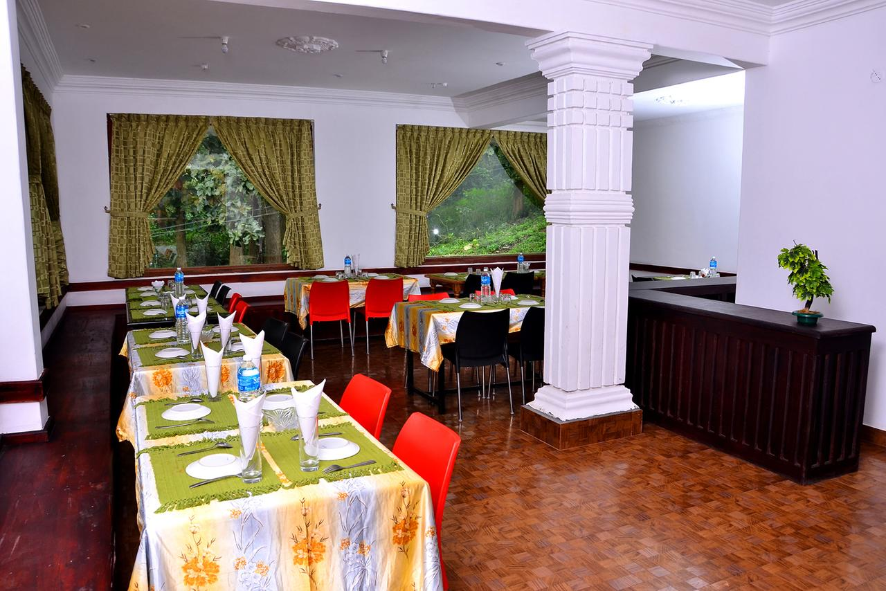Periyar Nest Resort Thekkady Restaurant